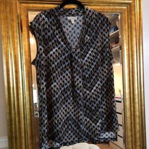 Dana Buchman sleeveless blouse in EUC